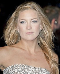 Kate-Hudson-Foundation-Too-Light-Dark