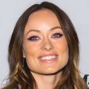 olivia-wilde-purple-pink-eye-makeup-w724